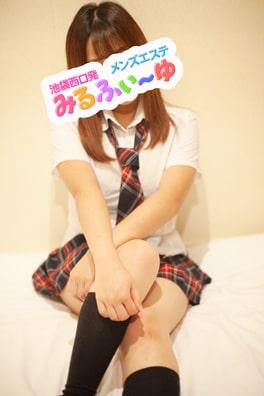 ひな(18)
